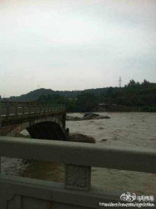 青莲大桥垮塌