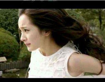 LV经典白裙
