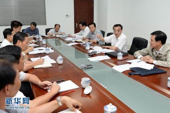 7月8日,李克强在钦州召开小微企业座谈会。