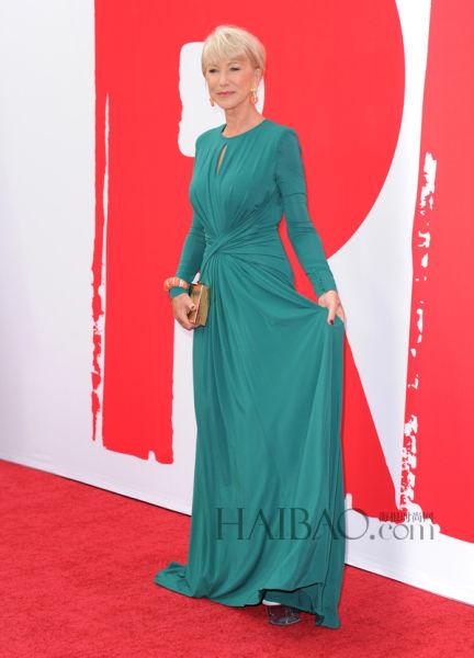 海伦·米伦 (Helen Mirren) 穿艾莉·萨博 (Elie Saab) 2013早秋系列深绿色礼服亮相