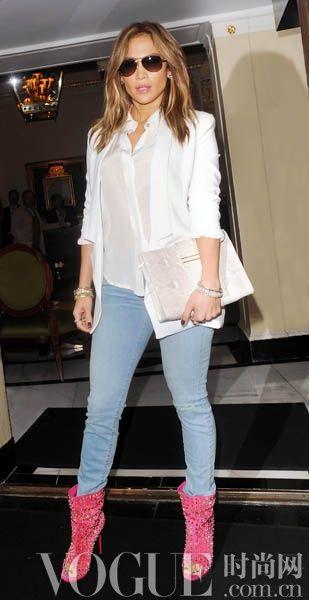 Jennifer Lopez佩戴Gucci Glitter款太阳镜