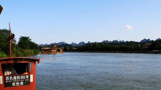 途中惬意柔和河边一景 图片来源:新浪博客