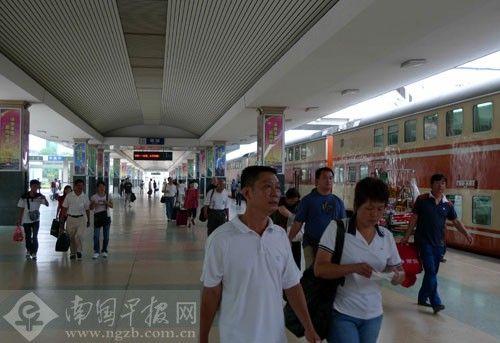 资料图:南宁火车站站台