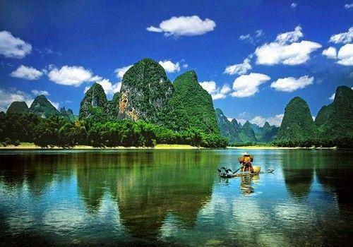 徒步漓江感应最美的山水景色