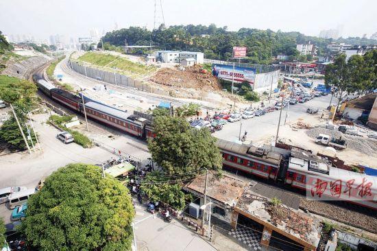 中华铁道口将改造为望州铁路立交,前期准备工作已就绪。