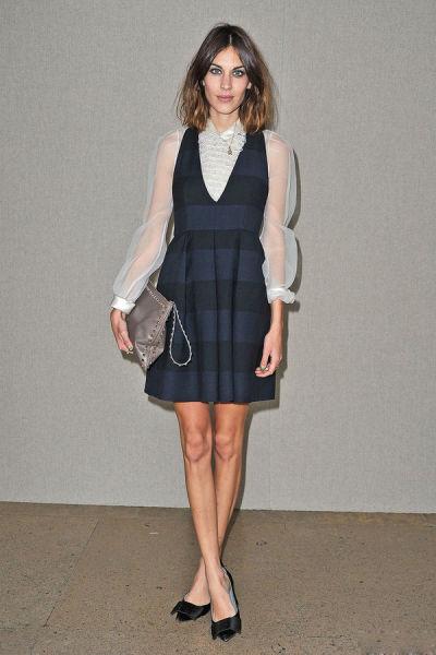 Louis Vuitton低跟方扣黑色缎面鞋