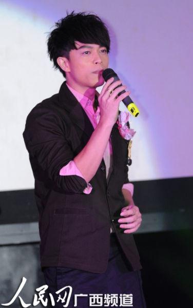 马来西亚著名青年歌手林宇中倾情演唱