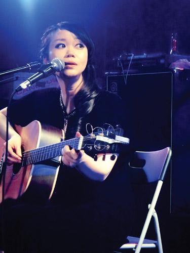 广西歌手吴虹飞 来源红网—潇湘晨报