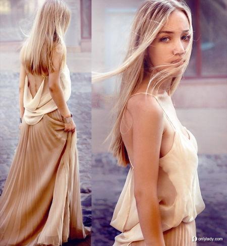 性感的裸色丝质吊带上装搭配拖地半身长裙
