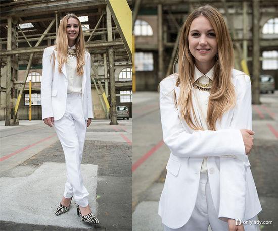 白色西装搭配一双个性魅力的高跟鞋