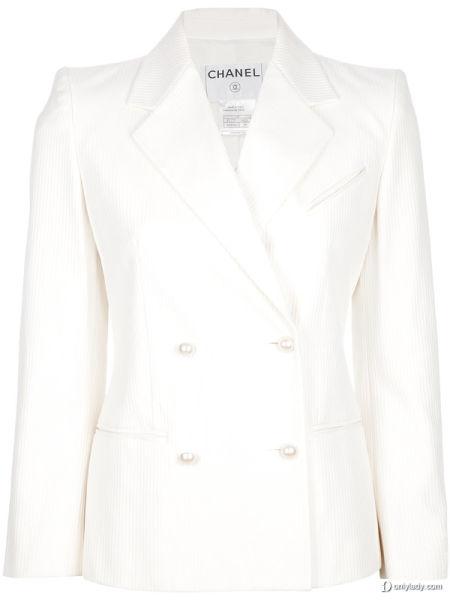 CHANEL白色西服