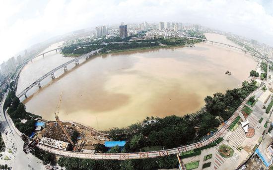 邕江洪水正在上涨。南国早报记者唐辉吉 摄