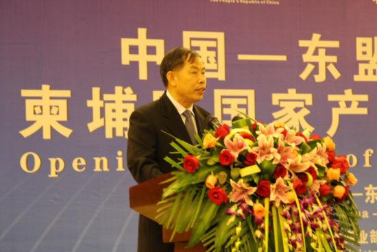 图为广西政协常委、港澳台侨外事委员会主任黄永强。新浪乐居 图