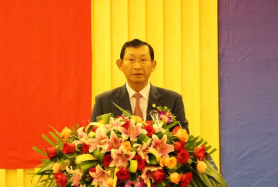 图为柬埔寨国务大臣兼商业部部长占蒲拉西阁下。新浪乐居 图