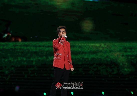 沙宝亮《父亲的草原母亲的河》。广西新闻网记者潘毅 邓昶 杨郑宝 图