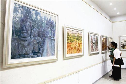 谢森油画作品,表现柬埔寨吴哥窟