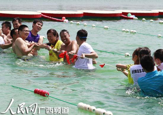 柳州水上狂欢迎国庆
