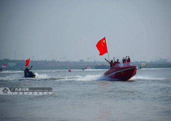 2013亚洲水上摩托城市公开赛在钦州举行
