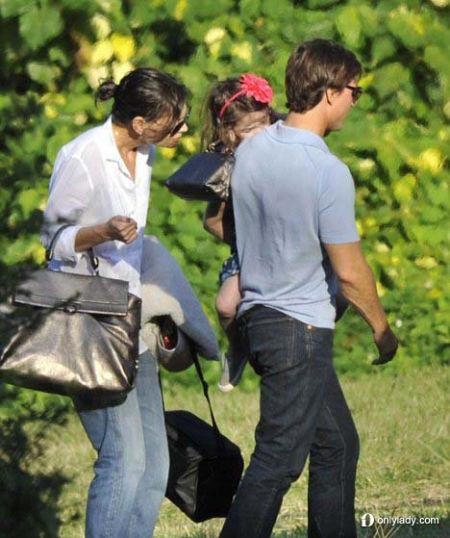 苏瑞手上的包包是Salvatore Ferragamo家的