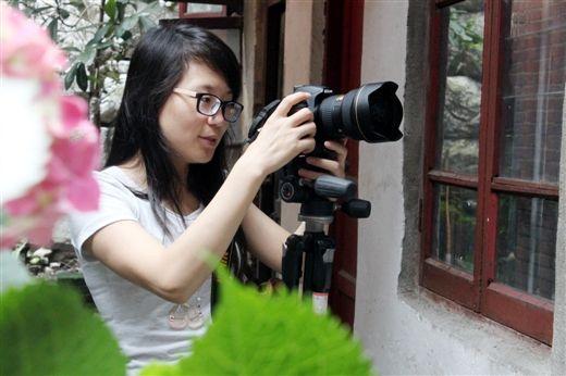 喜欢摄影的黄燕 (照片由黄燕提供)