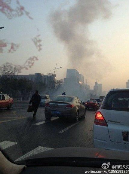 山西省委附近连续发生爆炸。图片来源:新浪微博