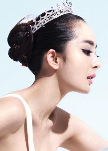 颈部护理(图片来源:时尚新娘)