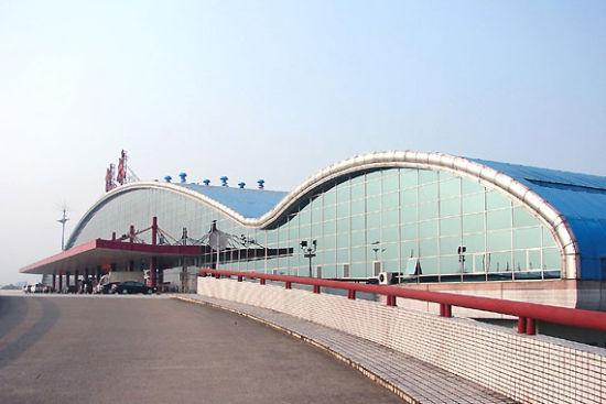 桂林两江国际机场 图/新浪图库