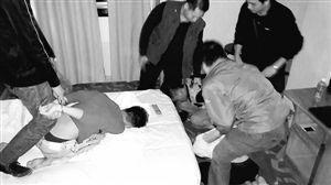 图为几名广西籍抢劫嫌疑人被深圳警方抓获。深圳晚报记者 戴书伟 通讯员 周锋 摄