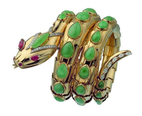 翡翠、红宝石、钻石、黄金蛇形手链,创作时间为1968年