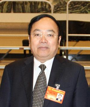 图为广西壮族自治区侨联主席韦干。人民网 王泽 摄