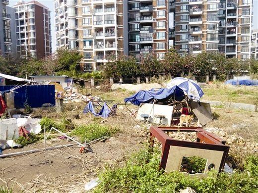 闲置地变餐馆垃圾场严重影响周边居民(图)