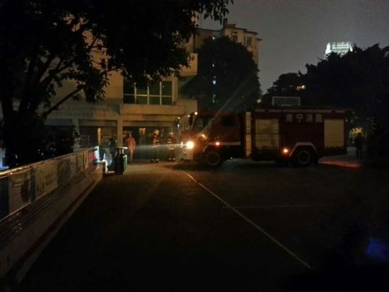 失火的杂物房。南国早报记者 赵劲松摄