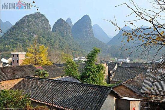 从后山上可以俯视秦家大院 来源:广西新闻网-南国今报