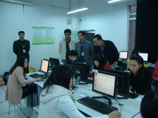 内蒙古总人口_2013年广西总人口