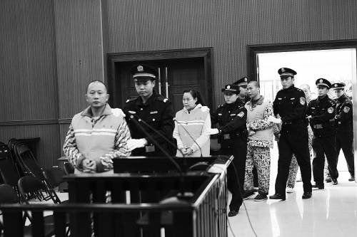 广西涉黑组织暴力拆迁受审现场。韦林汕供图