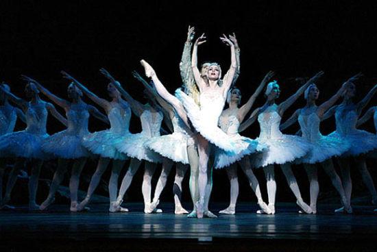 圣彼得堡俄罗斯芭蕾舞剧院的《天鹅湖》