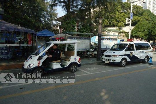 接管警务站后,巡警立即开展巡逻防范工作。广西新闻网实习生 曾鑫滔 摄