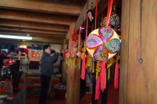 启动仪式中的文化旅游商品展