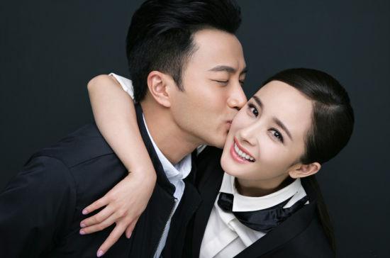 杨幂妆容:精心勾勒和描绘的韩式平眉
