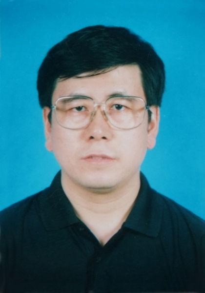 王凯同志简历