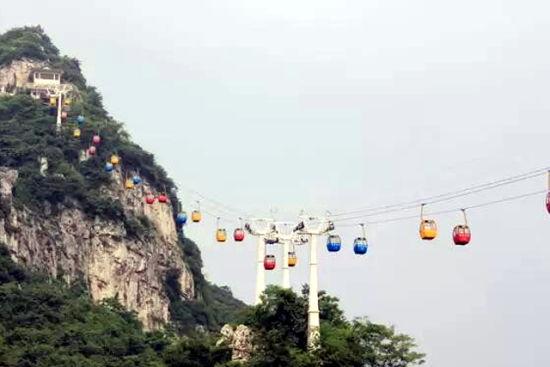 想游览马鞍山又不想爬山的朋友,只能继续坐缆车了。