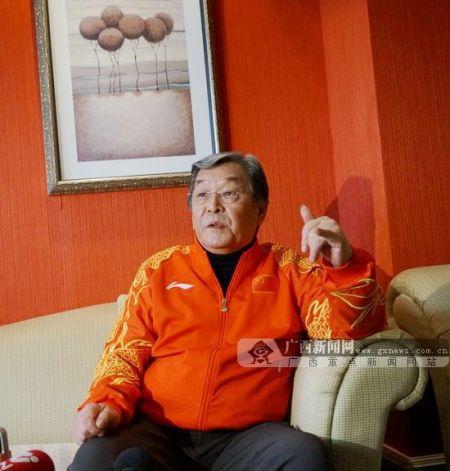 中国著名电视艺术家、前春晚导演袁德旺。广西新闻网记者 刘斐 摄