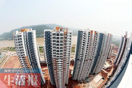 去年五象新区邕江边建起的保障房楼群。