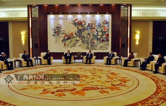 2月14日,自治区领导在南宁会见了澳门特区政府代表团一行。广西新闻网记者 潘晓明 摄