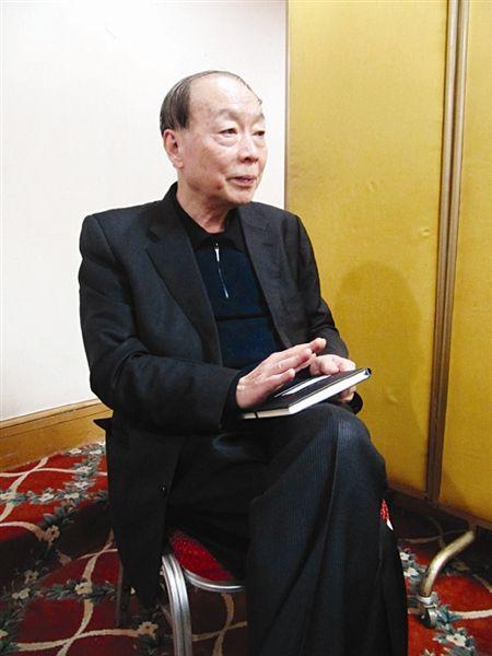 汪天云在接受记者采访