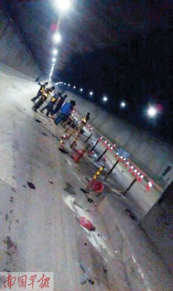 事故现场。图片来源:南国早报