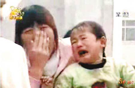 死者亲属在接受河南电视台采访时非常悲痛