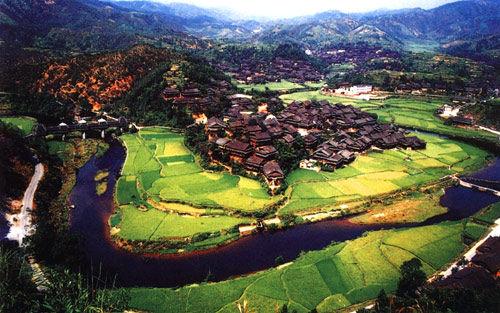 侗族村寨俯瞰图