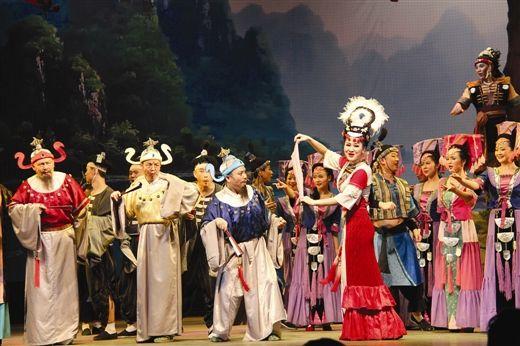 彩调歌舞剧《刘三姐》中的经典赛歌场面