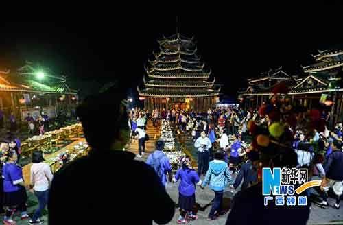 三江侗族自治县林溪乡冠小屯的百家宴